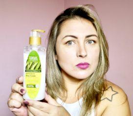Testei o Esfoliante Erva Limão para corpo e rosto da D'Água Natural.