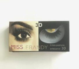 Cílios postiços 3D é o novo queridinho da Miss Frandy!