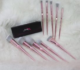 Kit com 10 pinceis da Jessup Beauty.