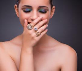 O que é anel de ouro 18K e como preservar essa linda joia?