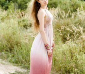 Conheça a história do vestido de tricot e saiba como escolher essa roupa feminina.